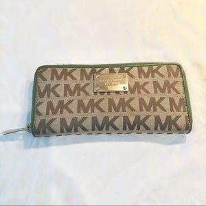 Authentic Michael Kors Jet Set logo long wallet